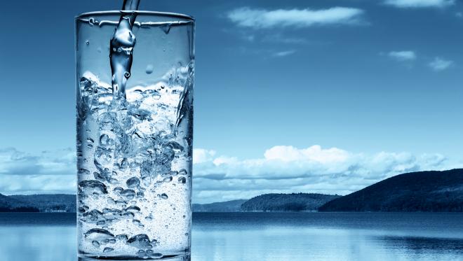 Врач предупредила об опасности избыточного потребления воды